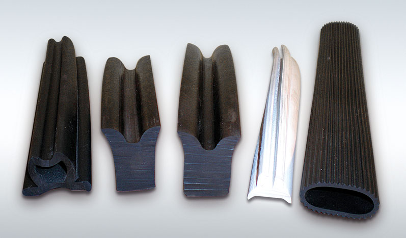 Seal and propulsion rubber profiles.